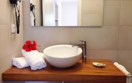 Apartament de lloguer Blaumar Formentera - bany reformat