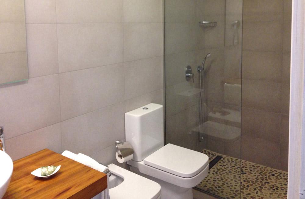 Blaumar apartamentos con baño reformado