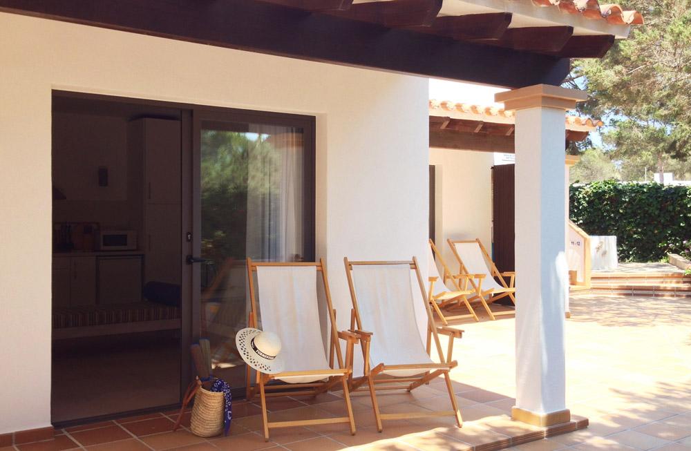 Apartamento-alquiler-reformado-blaumar-formentera-terraza